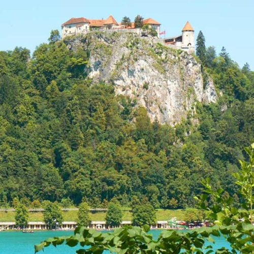 Do Albanii 2009 - Słowenia, zamek w Bled