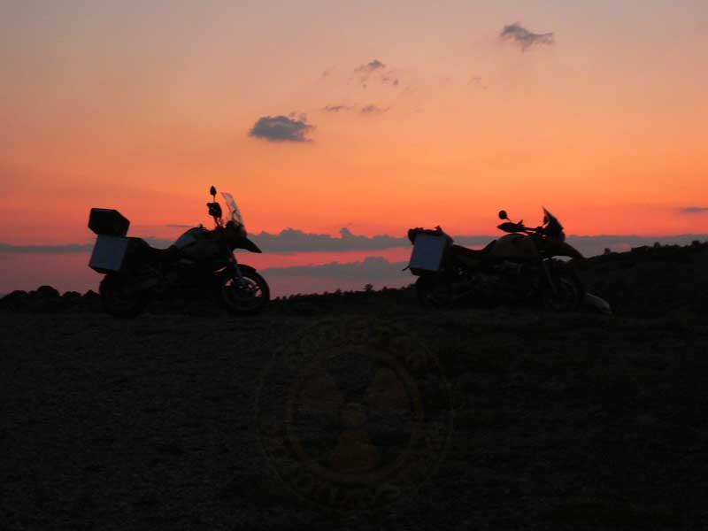 Do Albanii 2009 - motocyklowy zachód słońca w Chorwacji