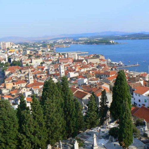 Do Albanii 2009 - stare miasto Szybenik w Chorwacji