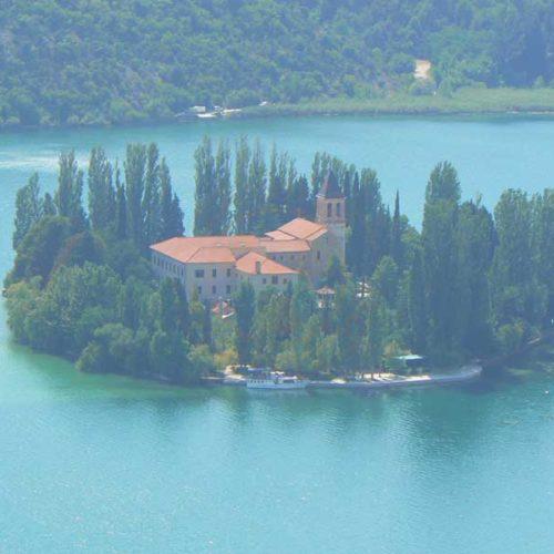 Do Albanii 2009 - klasztor na wyspie, Visovac w Parku Narodowym Krka
