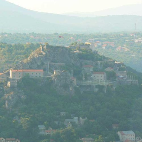 Do Albanii 2009 - Knińska twierdza w Chorwacji