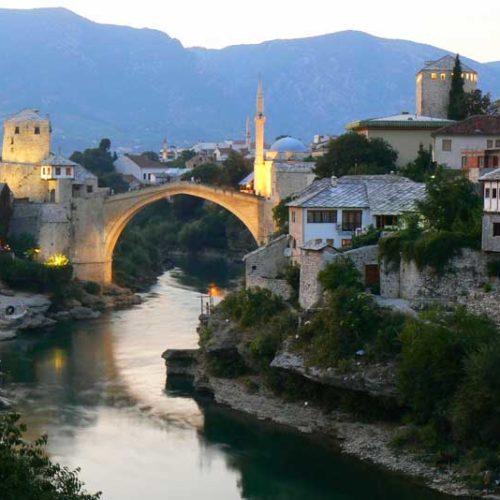 Do Albanii 2009 - most w Mostarze w Bośni i Hercegowinie