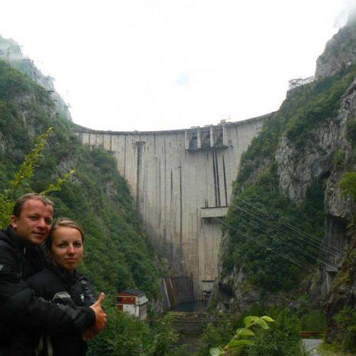 Do Albanii 2009 - zapora, kanion rzeki Piva w Czarnogórze