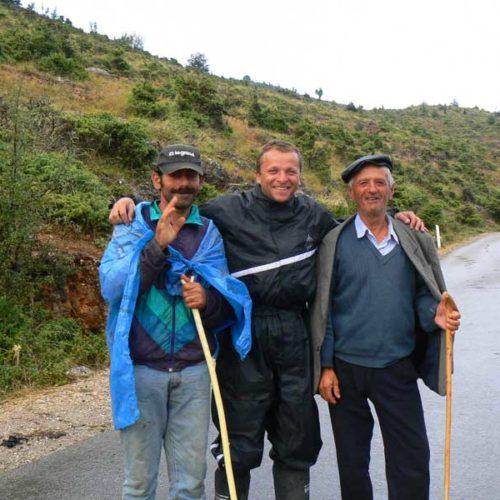 Do Albanii 2009 - Albańscy pasterze w drodze do Macedonii