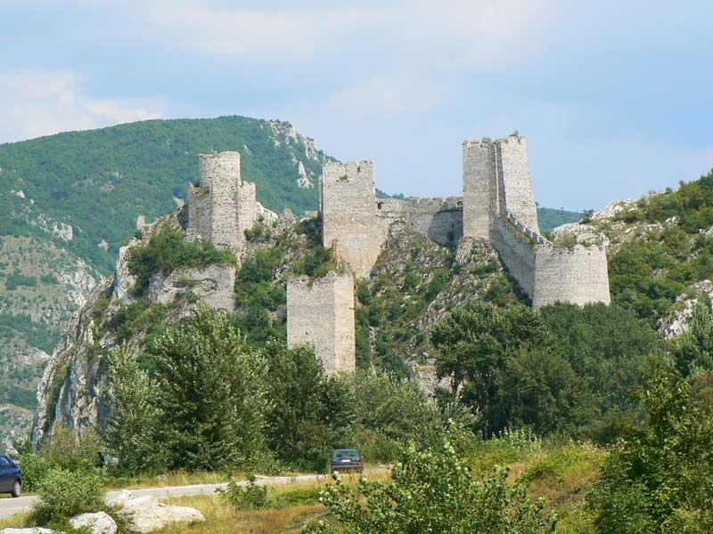 Do Albanii 2009 - Serbia, twierdza Golubacz - miejsce śmierci Zawiszy Czarnego