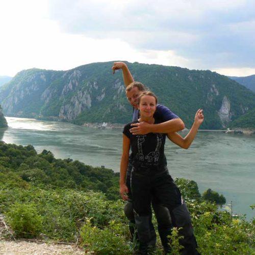 Do Albanii 2009 - Serbia, cerkiew i skalna rzeźba przy kanionie Derdap wzdłuż Dunaju