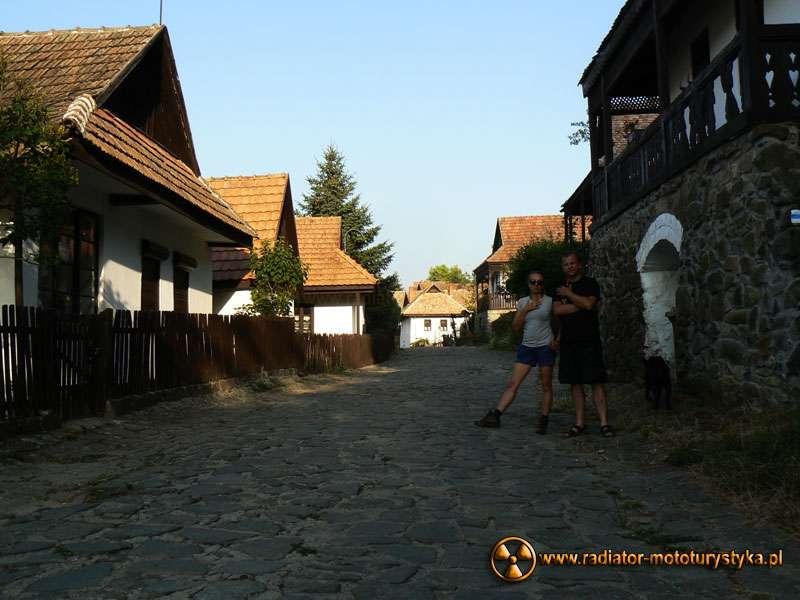 Wyprawa motocyklowa – Bułgarski Bastion Komunizmu. Hollókő – wioska na Liście Światowego Dziedzictwa UNESCO.