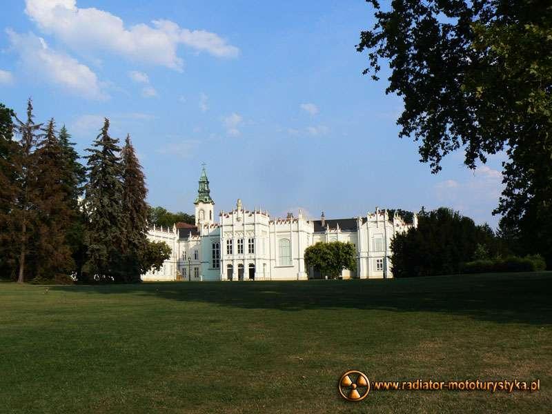 Wyprawa motocyklowa – Bułgarski Bastion Komunizmu. Martonvásár - pałac Brunszwików.