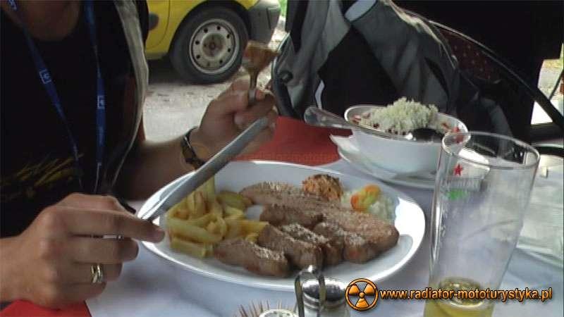 Wyprawa motocyklowa – Bułgarski Bastion Komunizmu - konsumpcja w Arilje