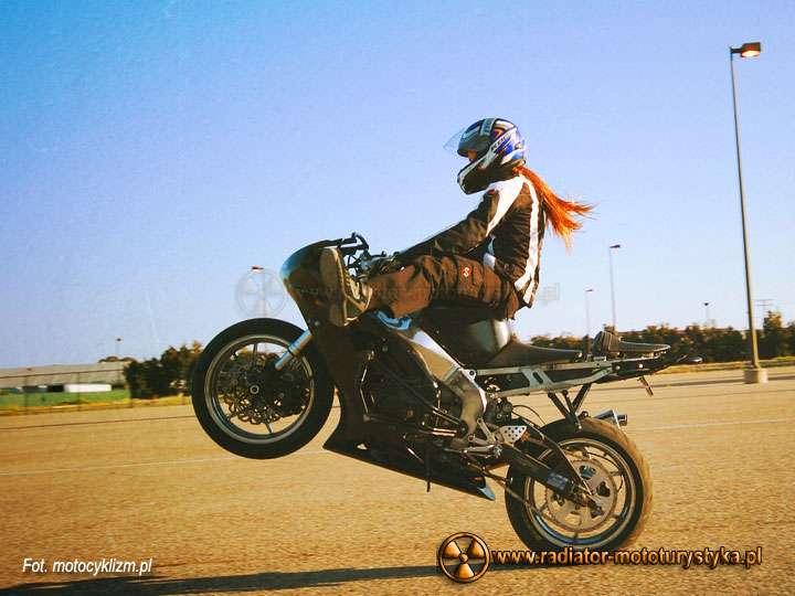 Motocyklistka03