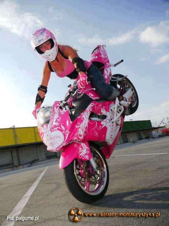 Motocyklistka04