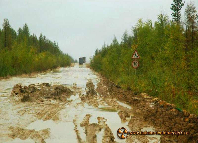 Błotna autostrada do Jakucka w Rosji