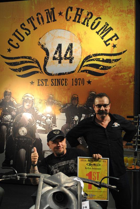 Stanisław Myszkowski, szef GOC, na Behemoth Bike wraz z dyplomem za zajęcie 1. miejsca (Photo by Dennis Hemstedt)