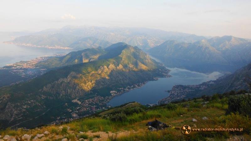 Boka (Zatoka) Kotorska - do kraju śmieci, mercedesów, bunkrów i klaksonów