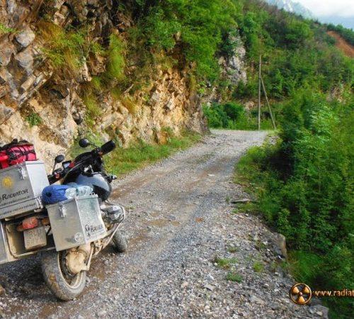 Albański cross na pętli Theth - do kraju śmieci, mercedesów, bunkrów i klaksonów
