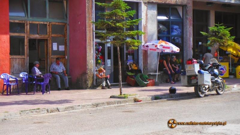 Albania - do kraju śmieci, mercedesów, bunkrów i klaksonów