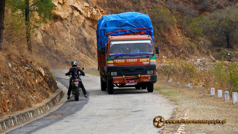 011d-Bhutan-kraj-grzmiącego-smoka