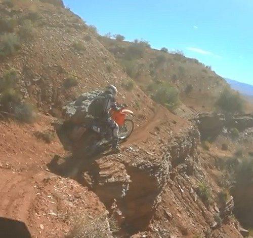 Motocykliści flirtują ze śmiercią