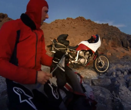 iDakar - solo motocyklem trasą rajdu Paryż - Dakar / film