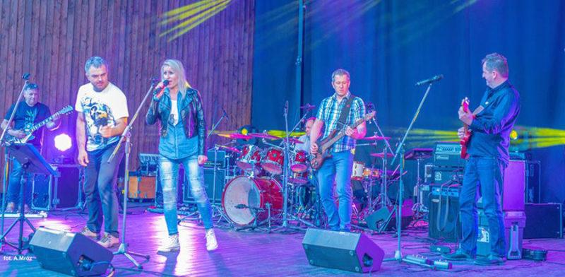 VII Nasze Wyprawy Motocyklowe – sobotni wieczór – koncerty na żywo! Zespół 32 Band