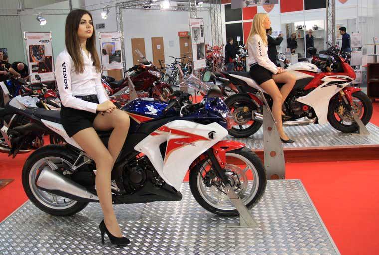 Honda CBR 250R. Nowinki motocyklowe - Radiator - Turystyka motocyklowa - Wyprawy motocyklowe - Podróże motocyklowe - Forum motocyklowe