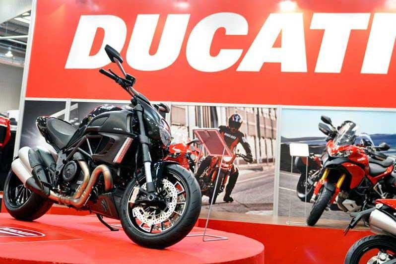 Ducati. Nowinki motocyklowe - Radiator - Turystyka motocyklowa - Wyprawy motocyklowe - Podróże motocyklowe - Forum motocyklowe