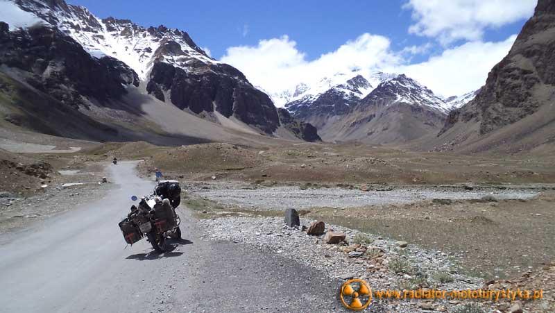 Indie - Himalaje - 2011 - trasa Leh-Manali na motocyklu Royal Enfield