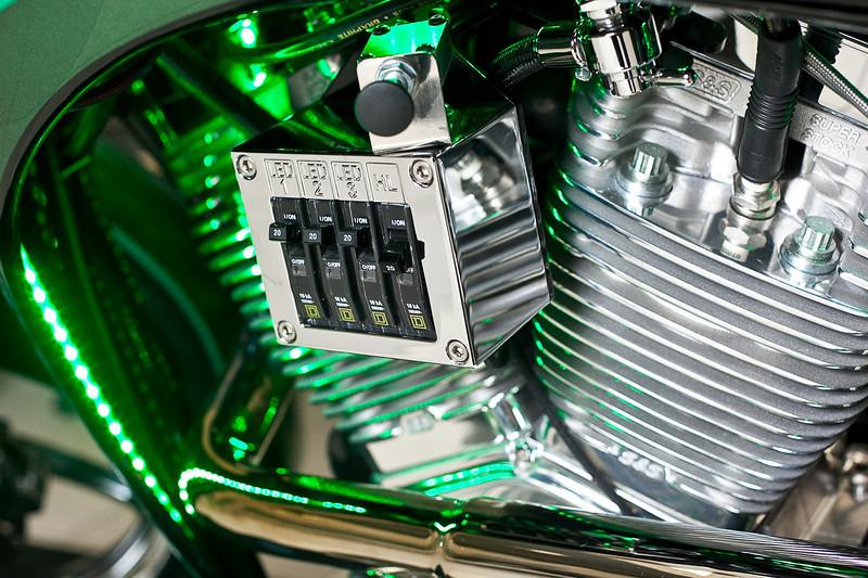 Motocykl hybrydowy Orange Country Choppers OCC. Nowinki motocyklowe - Radiator - Turystyka motocyklowa - Wyprawy motocyklowe - Podróże motocyklowe - Forum motocyklowe