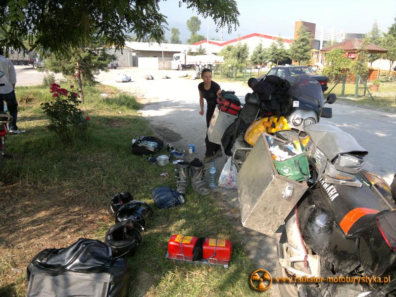 Turcja - pakowanie na stacji benzynowej