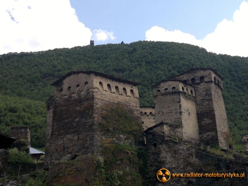 Gruzja - Swanetia - kamienne wieże Uszguli