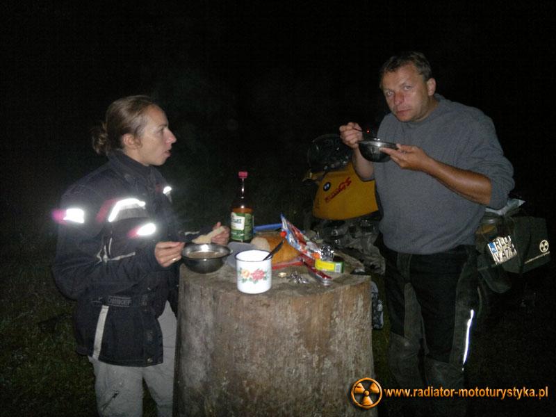 Karpaty ukraińskie - kolacja i nocleg w lesie niedaleko Jaremczy