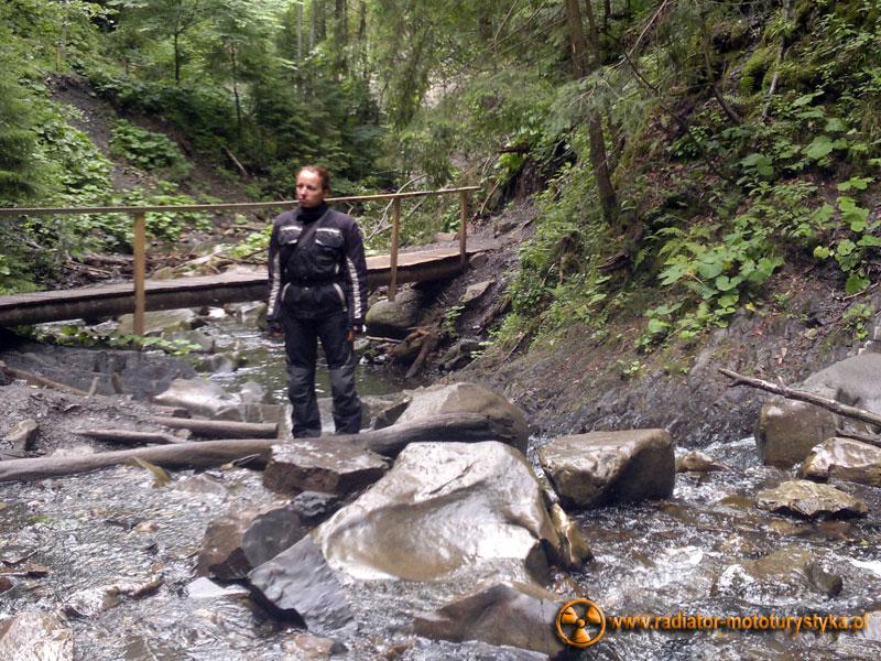 Ukraina - Karpaty - w drodze do wodospadu Guk