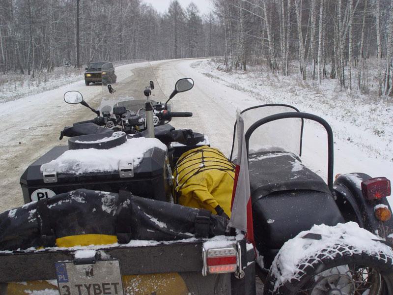Dookoła świata – Michał Kubiak na Junaku. Droga w śniegu i lodzie.