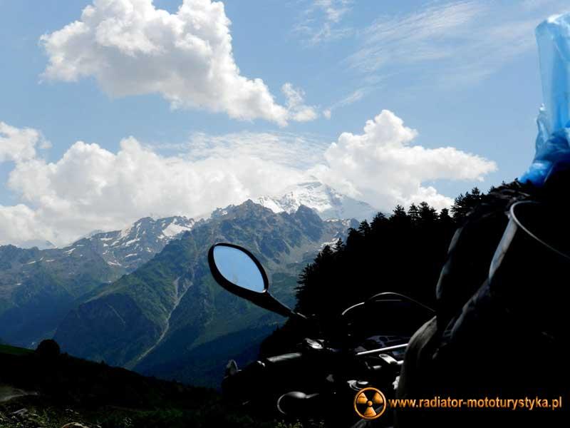 Wprawa motocyklowa. Dookoła na dwóch kołach - Gruzja.