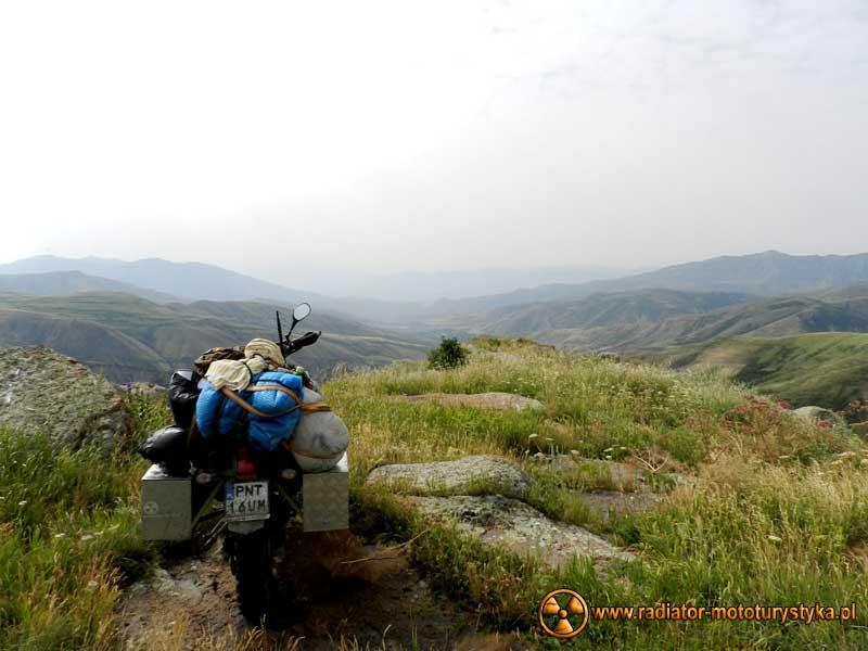 Wprawa motocyklowa. Dookoła na dwóch kołach - Armenia.
