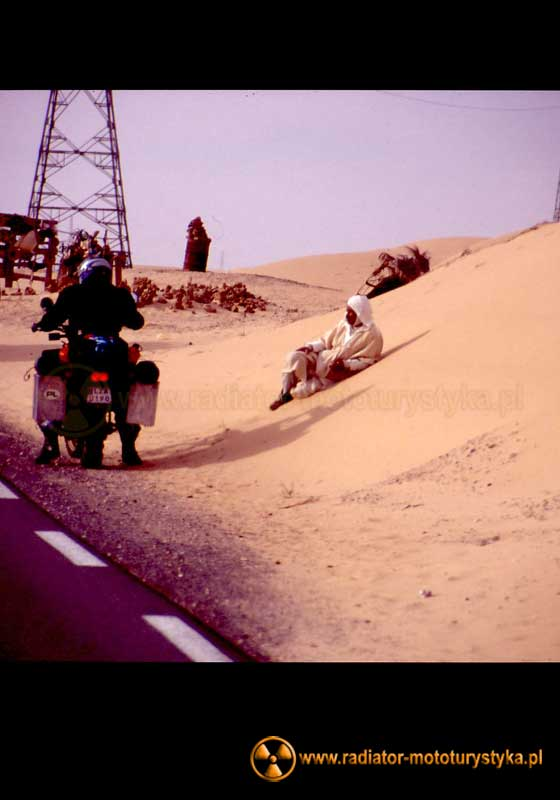Algieria - Cezary na motocyklu