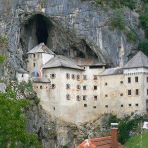 Do Albanii 2009 - Zamek Predjama w Słowenii