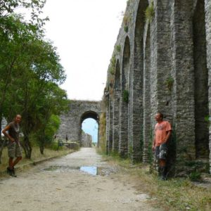 Do Albanii 2009 - zamek w Gjirokastra w Albanii