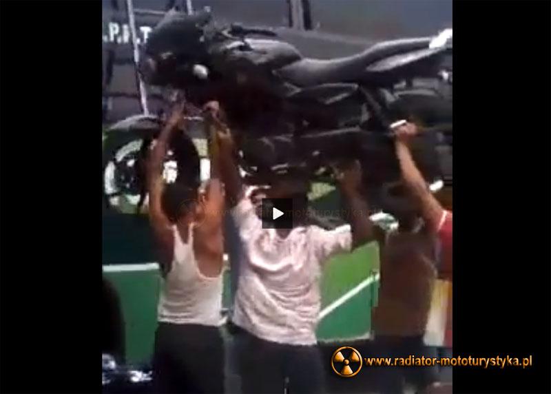 Mistrzowskie ładowanie motocykla