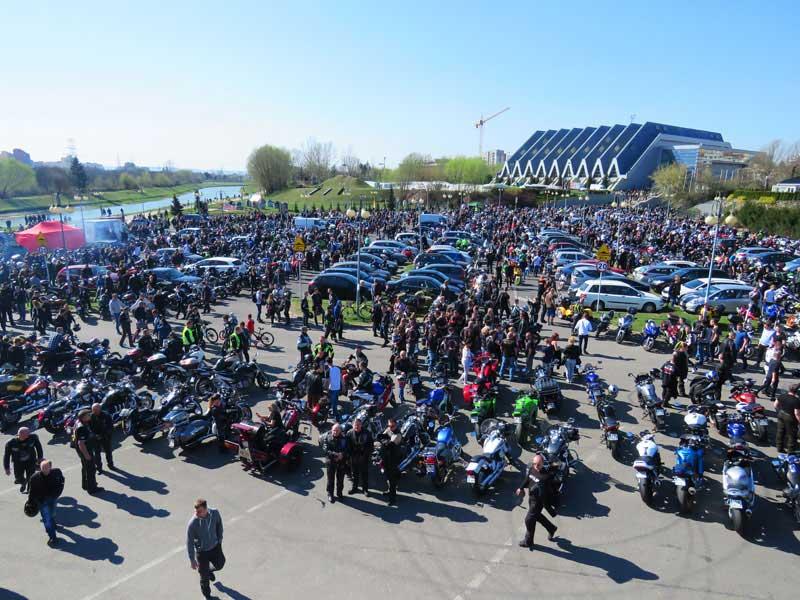 Rozpoczęcie sezonu motocyklowego - topienie marzanny - Rzeszów, Podpromie 2017