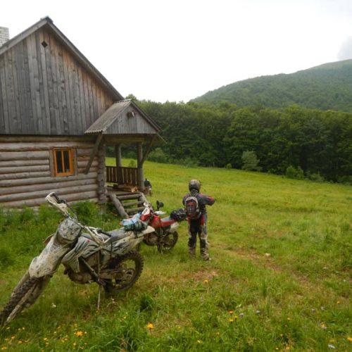 Enduro Polulanka - piękno i piekło mordoru - Ukraina - połoniny motocyklowo - schronisko pod Ostra Hora