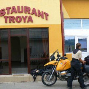Wyprawa motocyklowa do Grecji - 2008 - Rumunia, restauracja Troya w Suczawie