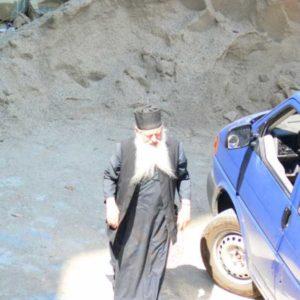 Wyprawa motocyklowa do Grecji - 2008 - Grecja, prawosławny zakonnik w Meteorach/Μετέωρα/Meteora