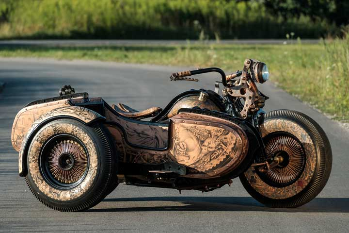 Wytatuowany motocykl Recydywista – na sprzedaż